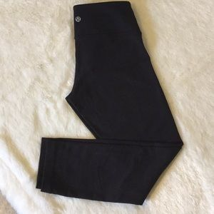 Lululemon athletica black crobs leggings